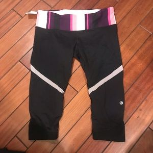 Lululemon black pink stripe crop legging- size 8